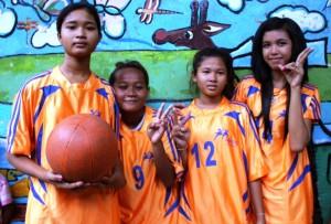 Female team, on the ball!