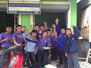 Students from the 2013 Peuan Mit Mechanics Vocational Training Workshop