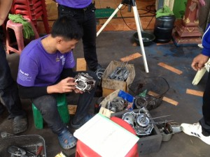 Getting to grips with an engine - Mechanics Vocational Training in Lao PDR