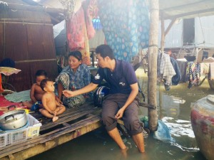 Friends Social Worker visiting flood affected family